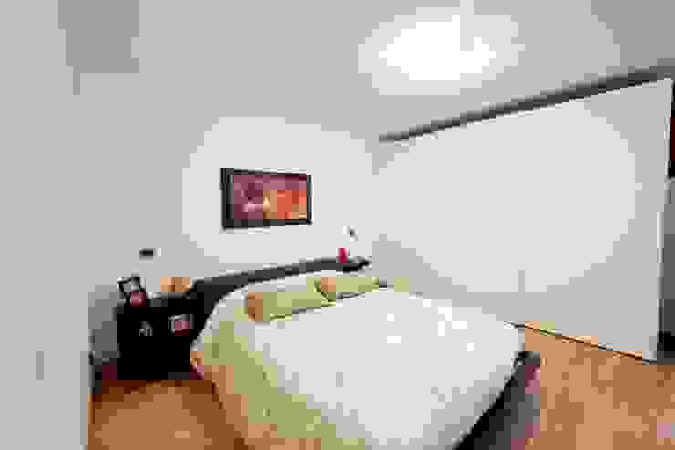 Moderne Schlafzimmer von Modularis Progettazione e Arredo Modern