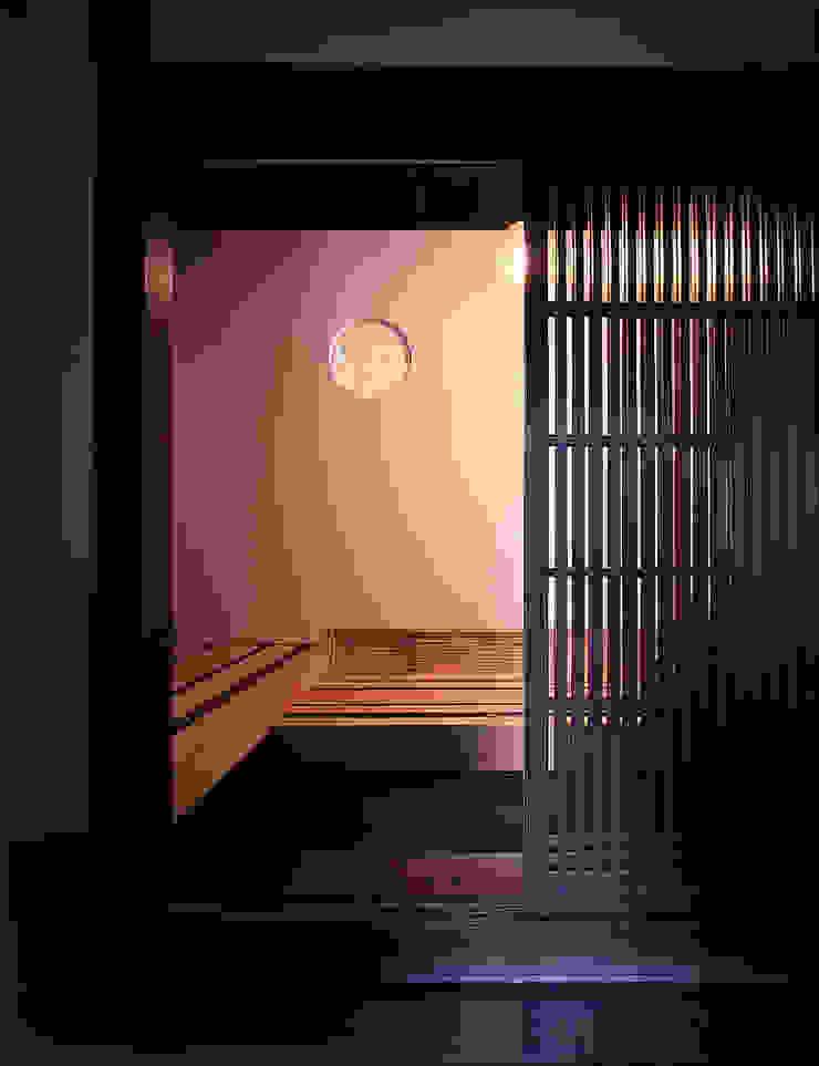 積日隆替家屋 オリジナルスタイルの 玄関&廊下&階段 の 岩本賀伴建築設計事務所 オリジナル