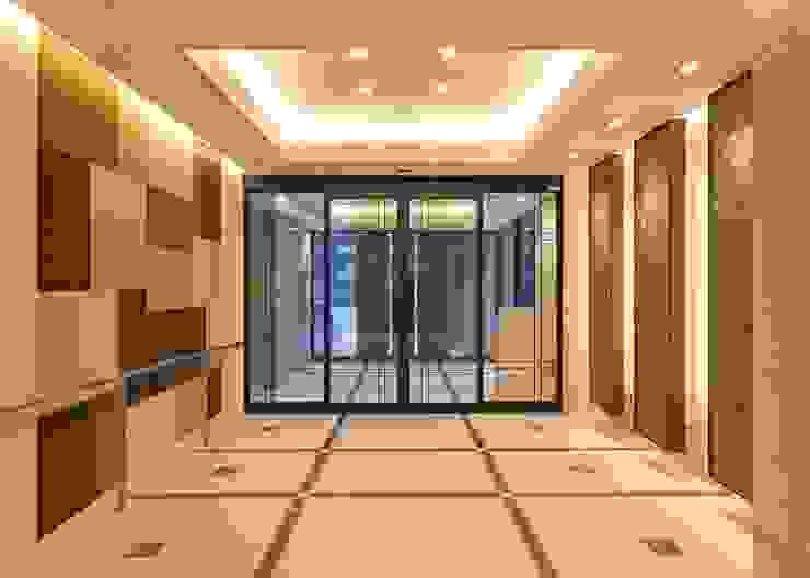 光のコンポジションが創りだすエントランス空間 モダンなホテル の STUDIO AZZURRO モダン