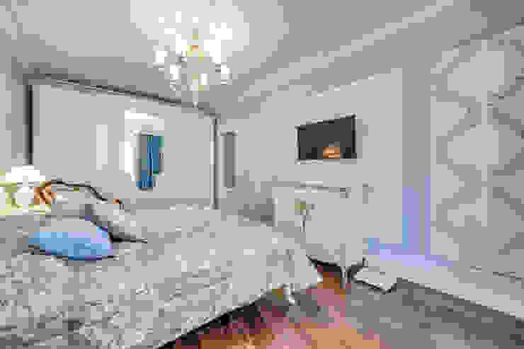 Воздушная классика Спальня в классическом стиле от Be In Art Классический