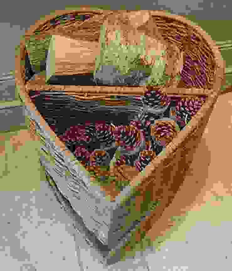 Heart Shaped Log Basket de Hunter Gatherer Ecléctico