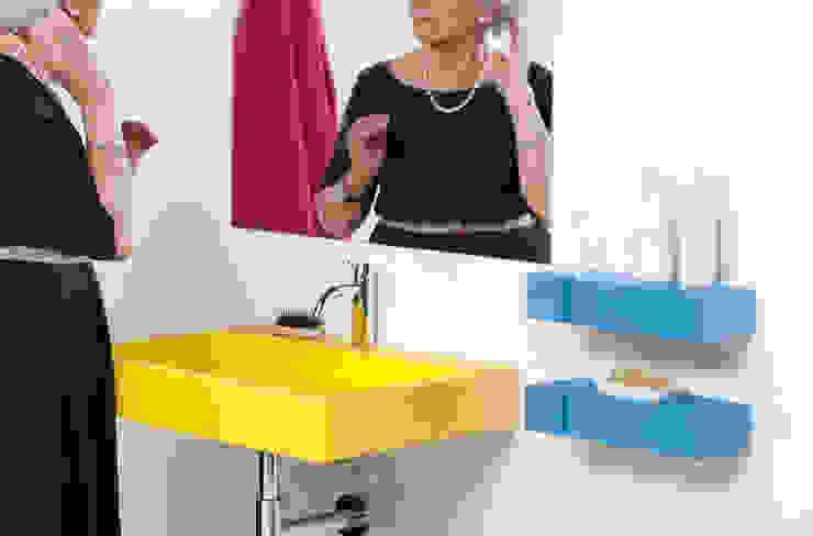 Lavabo TIPO con estante/ toallero TOXO de Boing Original Moderno