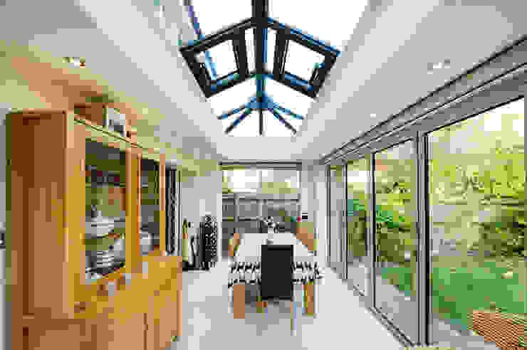 Aluminium orangery with bi fold doors Modern conservatory by homify Modern