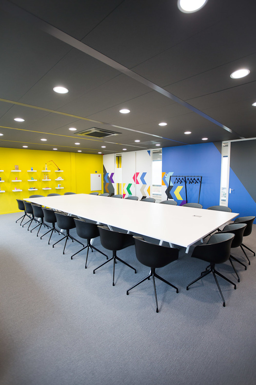 Vergaderruimte Moderne kantoorgebouwen van ontwerpplek, interieurarchitectuur Modern