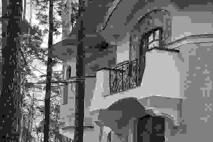 Балкон:  в современный. Автор – Remistudio, Модерн