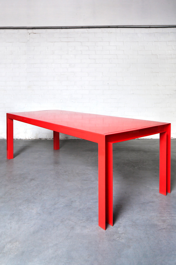 TABLE FOR TOOLS : modern  door colect, Modern
