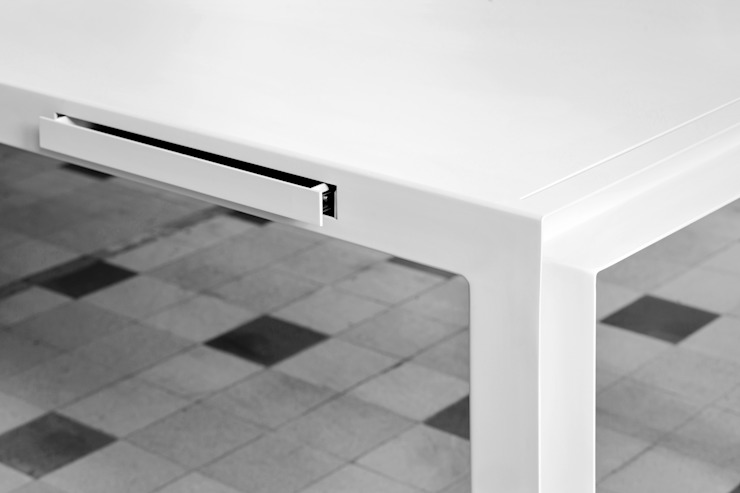 TABLE FOR TOOLS  BY KATRIEN VAN HULLE & SIEGFRIED DE BUCK: modern  door colect, Modern
