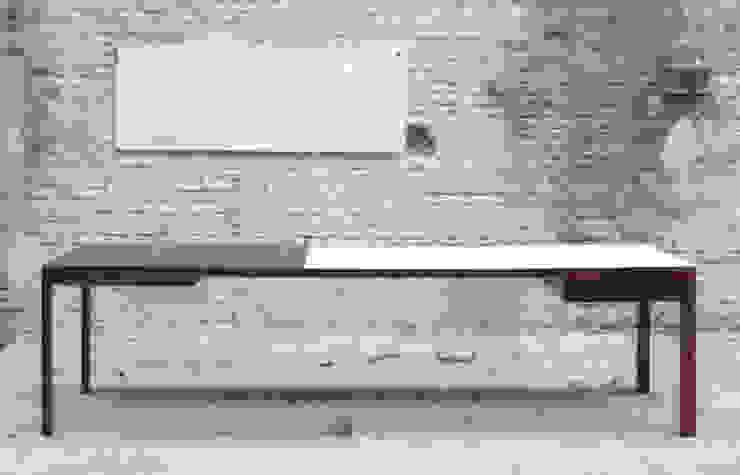 B-TWO  BY BRUNO VERMEERSCH: modern  door colect, Modern