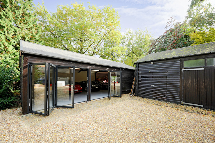Garage conversion for luxury cars 根據 ROCOCO 現代風