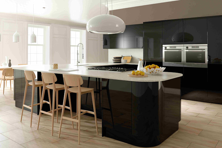 Ultra Gloss Black Kitchen di Dream Doors Ltd Moderno