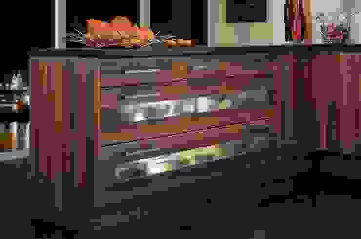 Shaker Autumn Plum Kitchen Dream Doors Ltd KitchenCabinets & shelves