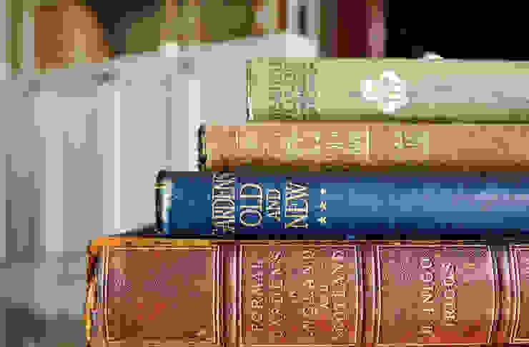 Vintage Books de homify Clásico
