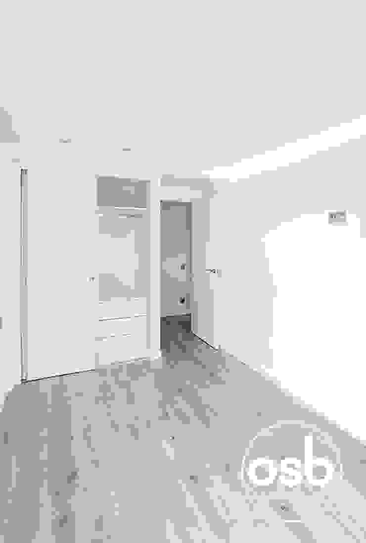 marta Dormitorios de estilo moderno de osb arquitectos Moderno