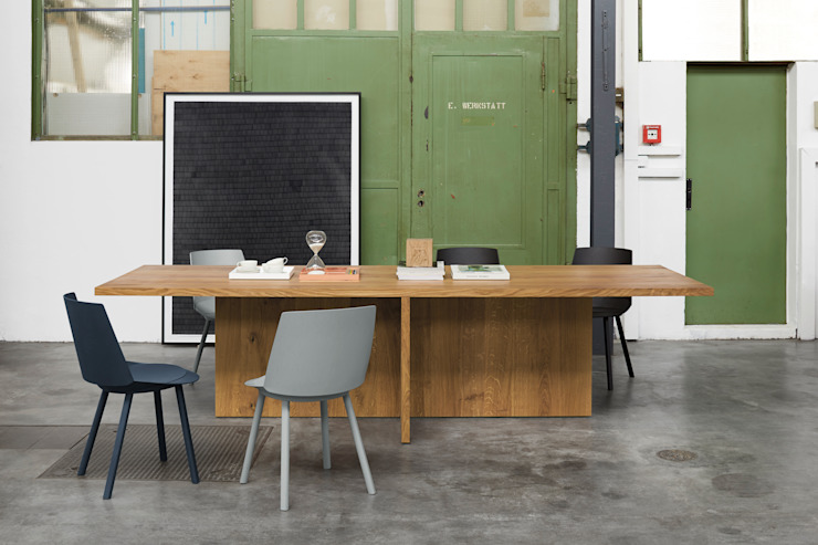 Table ZEHN Modern Study Room and Home Office by e15 Modern