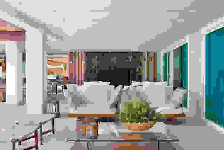 Arquitetura Residencial | Casa de luxo na Barra da Tijuca Casas modernas por Leila Dionizios Arquitetura e Luminotécnica Moderno