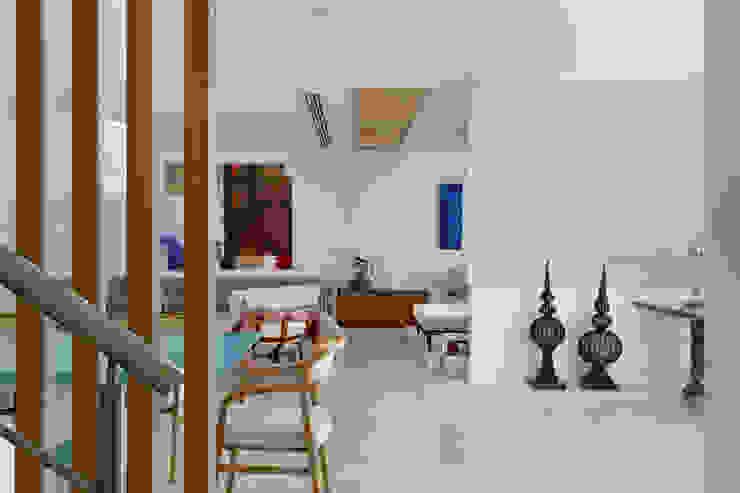 Arquitetura Residencial | Casa de luxo na Barra da Tijuca Salas de jantar modernas por Leila Dionizios Arquitetura e Luminotécnica Moderno
