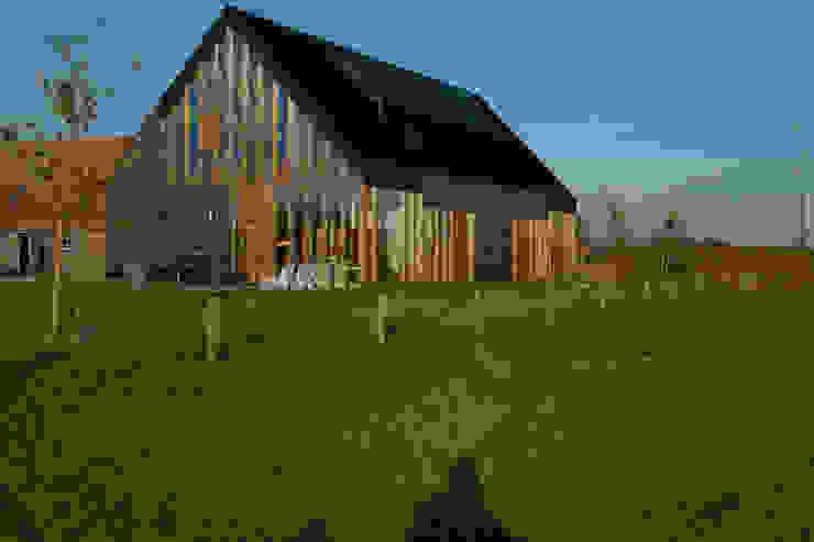 Modern home by Zwarthout Shou Sugi Ban Modern
