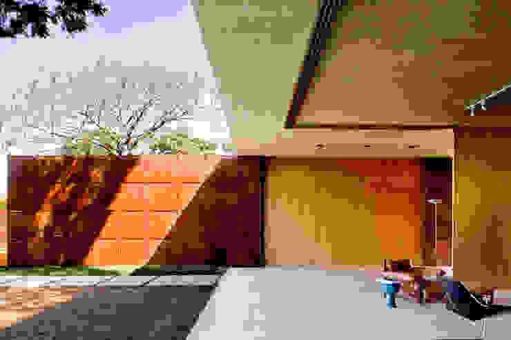 Casa BLM Casas minimalistas por ATRIA Minimalista