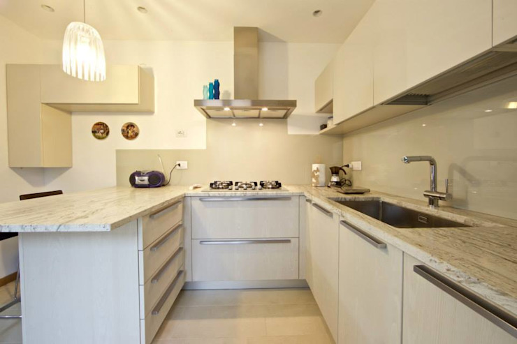 Modularis Progettazione e Arredo Cocinas de estilo moderno