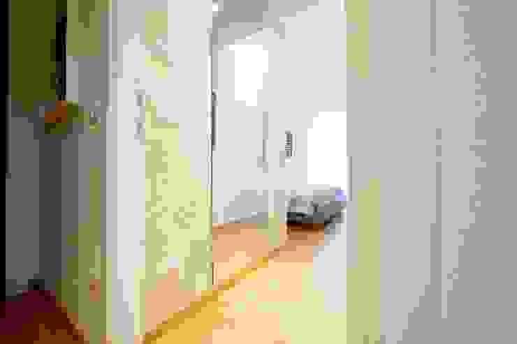 Modularis Progettazione e Arredo Dormitorios de estilo moderno