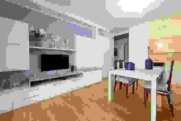Modularis Progettazione e Arredo Livings de estilo moderno