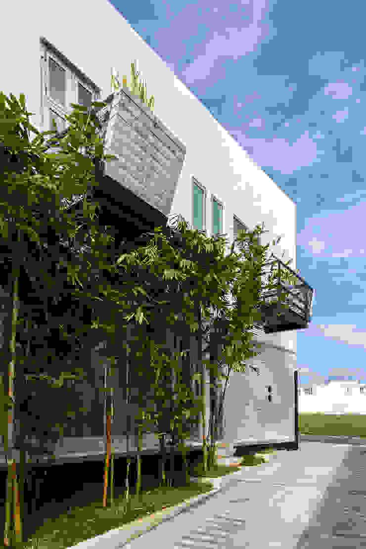 balcones Balcones y terrazas minimalistas de Taller ADC Architecture Office Minimalista