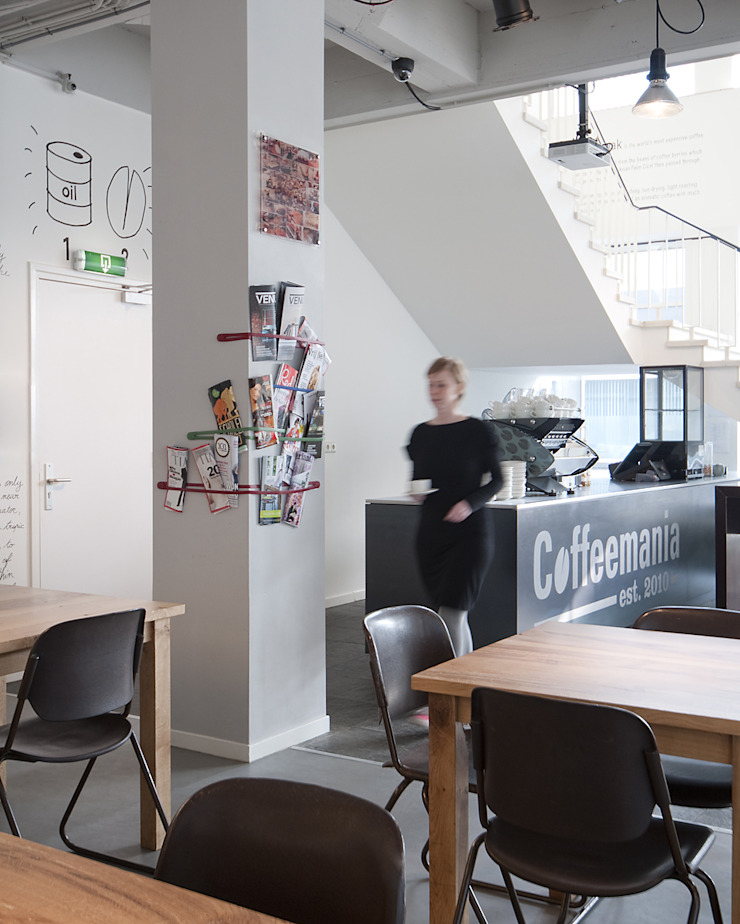 Bar en zitgedeelte Moderne bars & clubs van ontwerpplek, interieurarchitectuur Modern