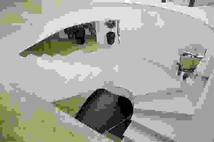 Marmurowe schody wewnętrzne Klasyczny korytarz, przedpokój i schody od GRANMAR Borowa Góra - granit, marmur, konglomerat kwarcowy Klasyczny