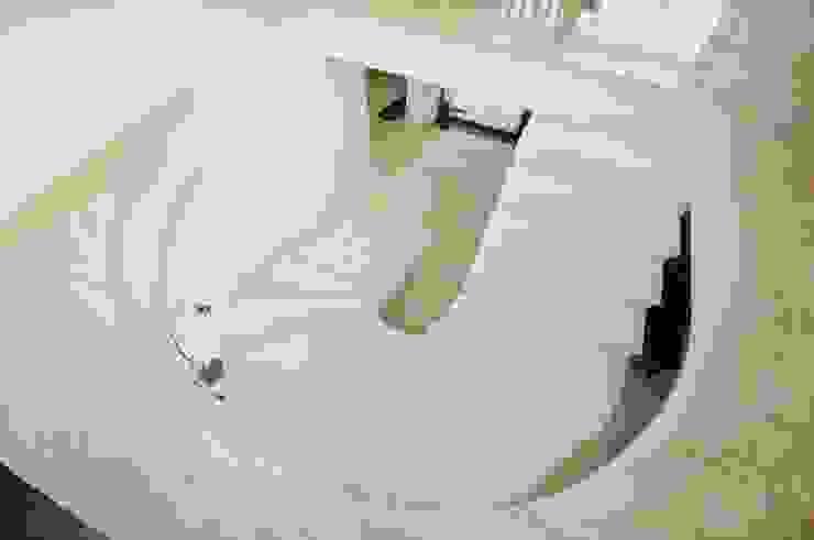 Schody marmurowe w połączeniu z posadzką - GRANMAR Sp. z o. o. Borowa Góra Klasyczny korytarz, przedpokój i schody od GRANMAR Borowa Góra - granit, marmur, konglomerat kwarcowy Klasyczny