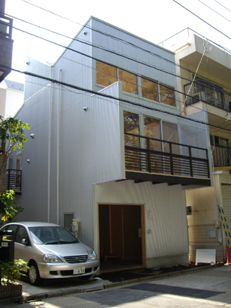 H2O設計室 ( H2O Architectural design office ) Casas de estilo moderno
