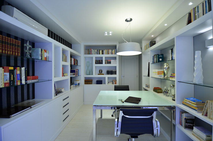 Apartamento Bela Vista Escritórios modernos por Francisco Humberto Franck Moderno