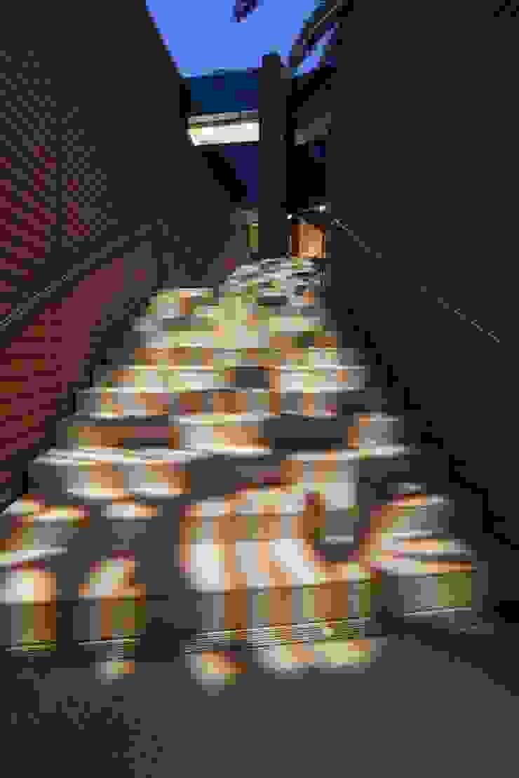 Gonzato Contract Diseño de ferias de estilo minimalista