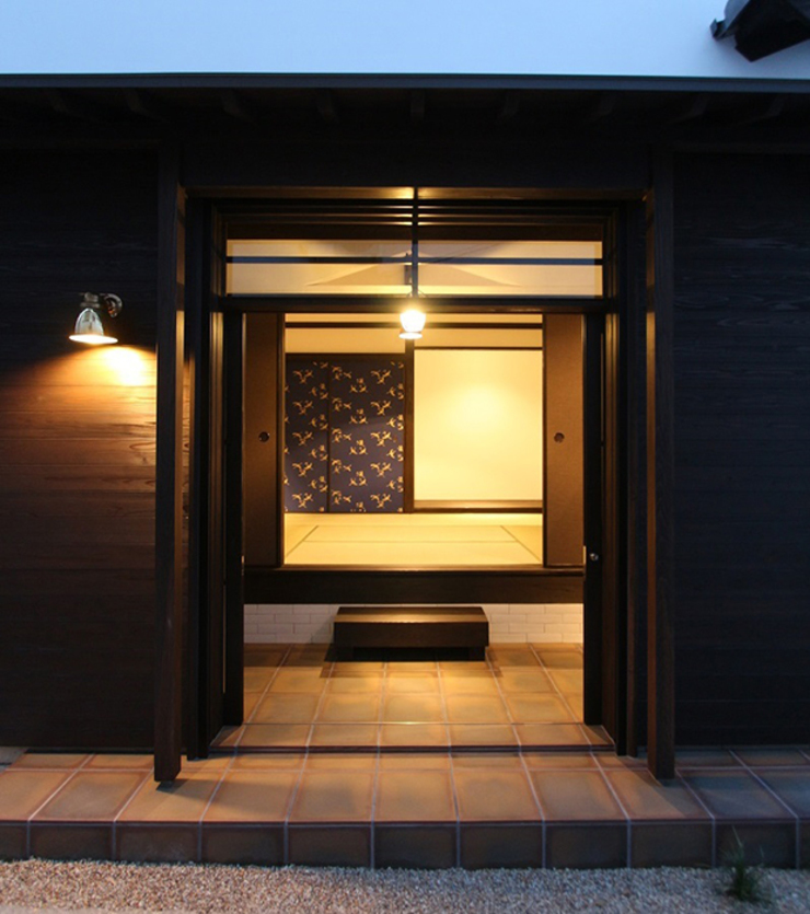Asian style windows & doors by 安井正/クラフトサイエンス Asian