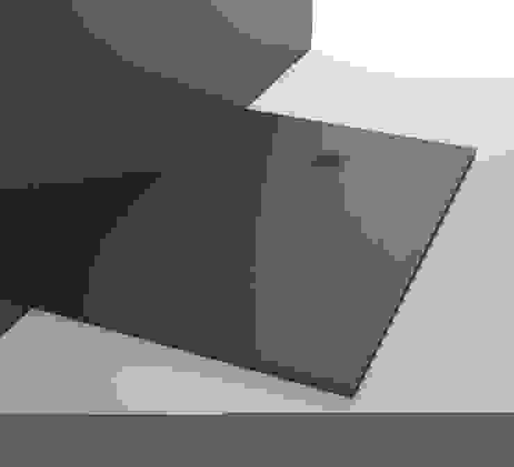 Plato de resina con textura pizarra de The Bath Moderno