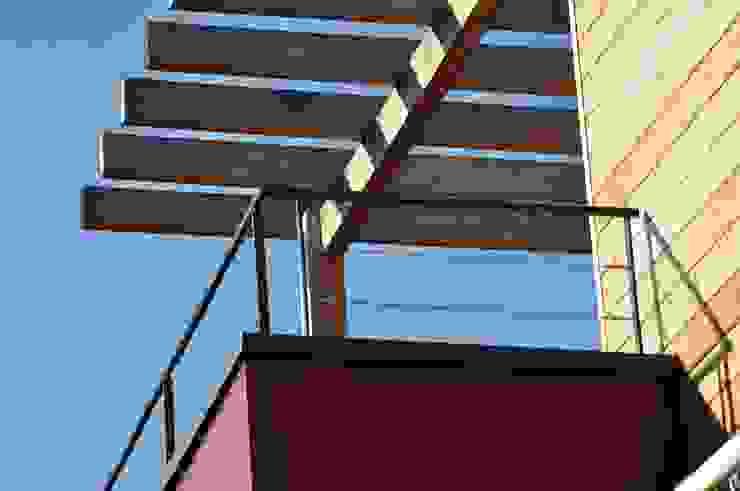 Modern terrace by HELENE LAMBOLEY ARCHITECTE DPLG Modern
