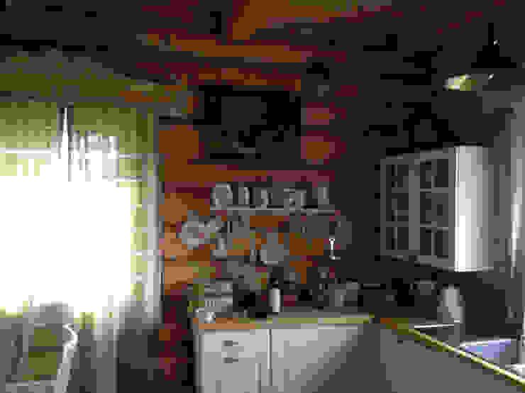 Усадьба под Волоколамском в традиционном стиле Кухня в классическом стиле от Бюро Акимова и Топорова Классический