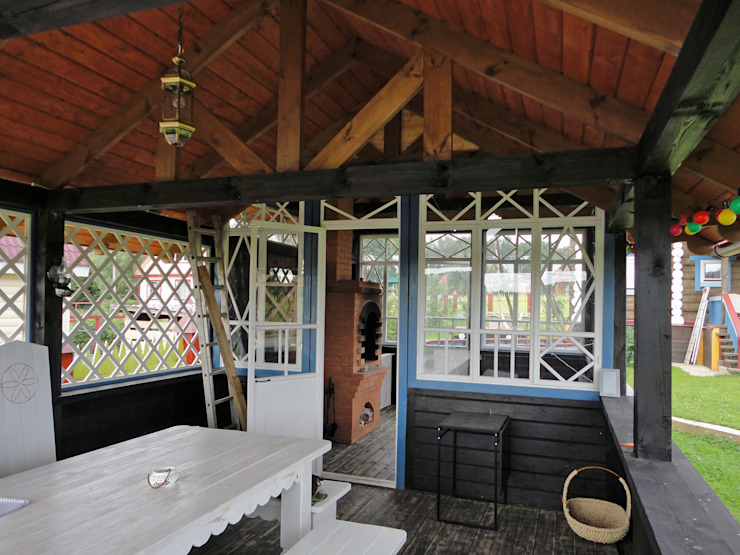 Усадьба под Волоколамском в традиционном стиле Балкон и терраса в классическом стиле от Бюро Акимова и Топорова Классический