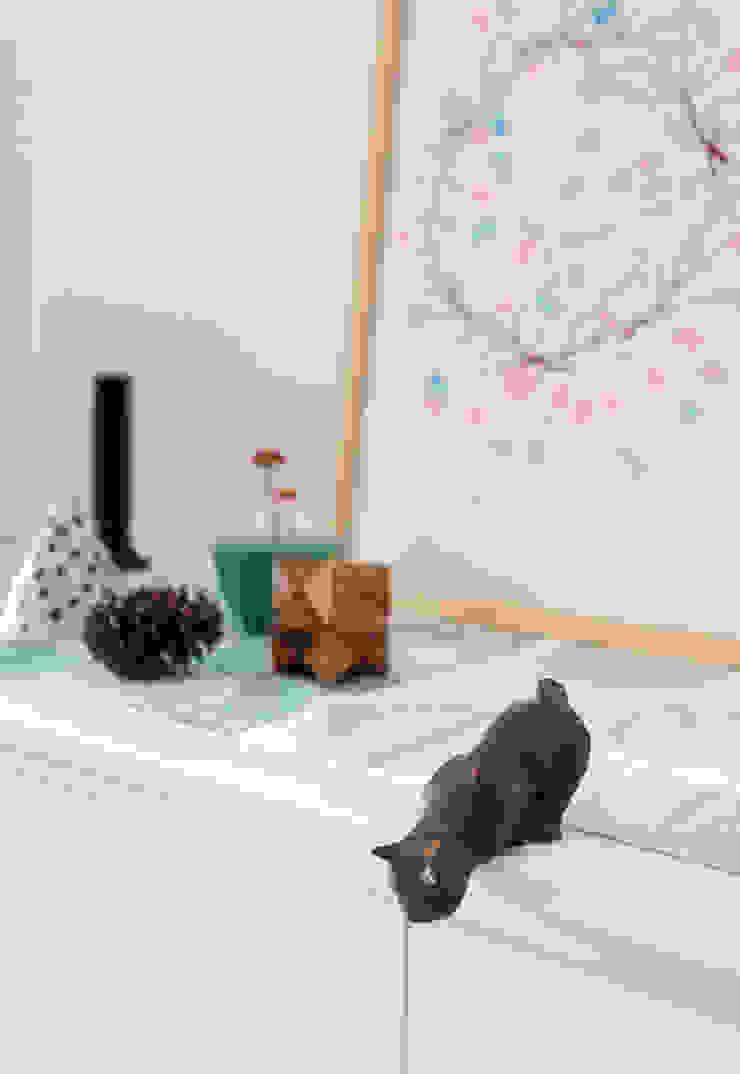 Livings de estilo minimalista de arctitudesign Minimalista