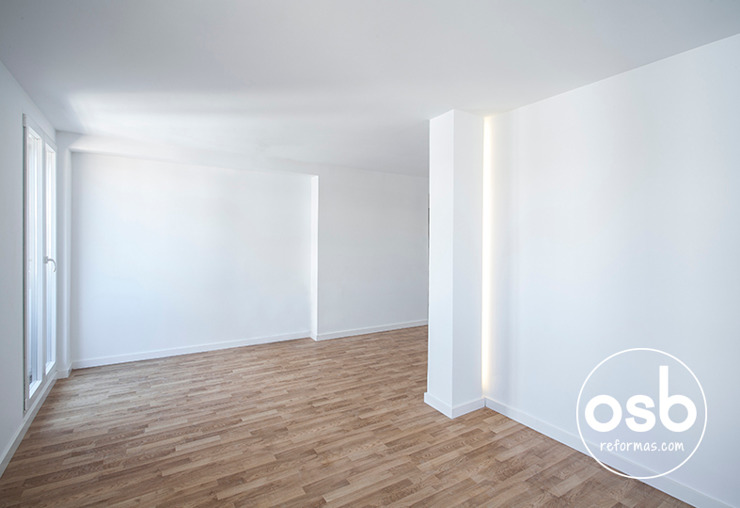hugo y eva Salones de estilo minimalista de osb arquitectos Minimalista