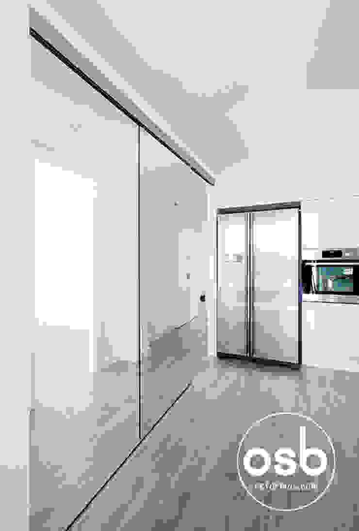 hugo y eva Cocinas de estilo minimalista de osb arquitectos Minimalista