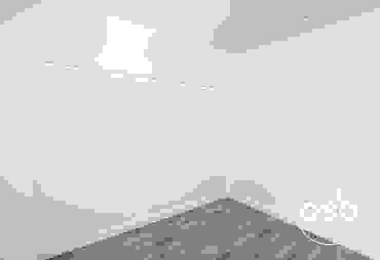 hugo y eva Dormitorios de estilo minimalista de osb arquitectos Minimalista