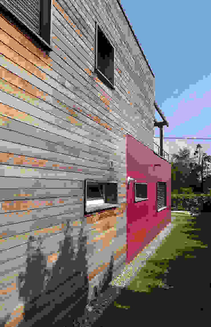 Modern houses by HELENE LAMBOLEY ARCHITECTE DPLG Modern