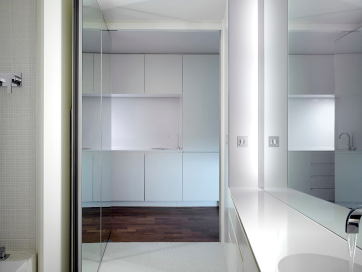 Apartment H Mackay + Partners 現代浴室設計點子、靈感&圖片