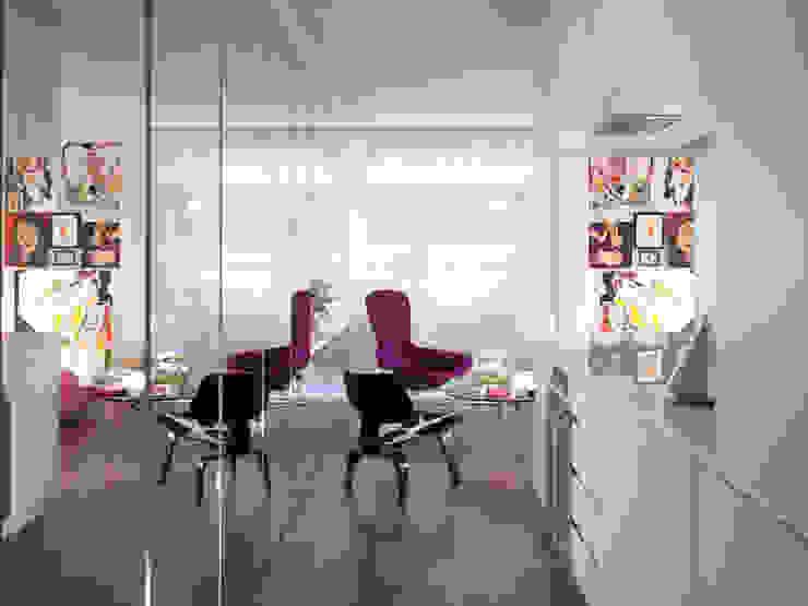 Apartment H Modern living room by Mackay + Partners Modern