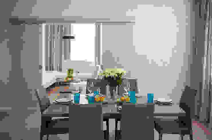 Квартира на Крестовском острове Столовая комната в эклектичном стиле от Студия дизайна интерьера Маши Марченко Эклектичный