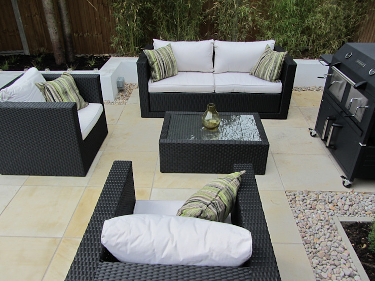 Stylish Outdoor Room Taman Modern Oleh Christine Wilkie Garden Design Modern