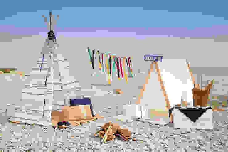Tipi indio para niños modelo Formentera Azul y casita picniquera basic blanca de Vamos de Picnic Mediterráneo