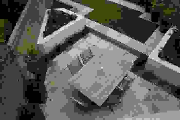 Small Urban Garden:  Garden by Christine Wilkie Garden Design
