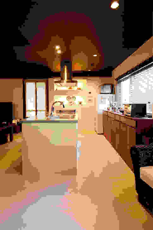 kitchen: 株式会社スタイル工房が手掛けたアジア人です。,和風