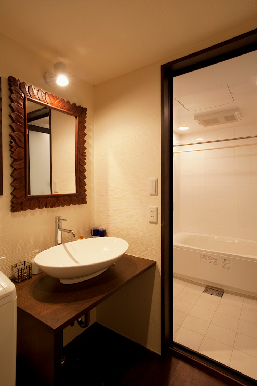 bath room: 株式会社スタイル工房が手掛けたアジア人です。,和風